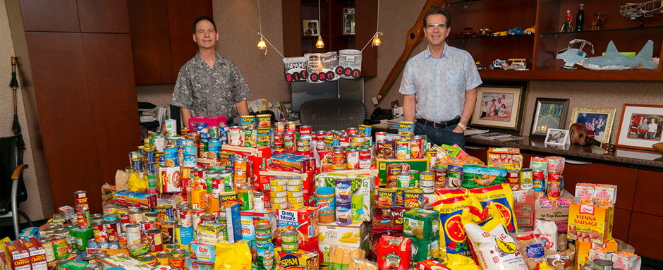 Donations of food for Hawaii Food Bank by ALTRES employee